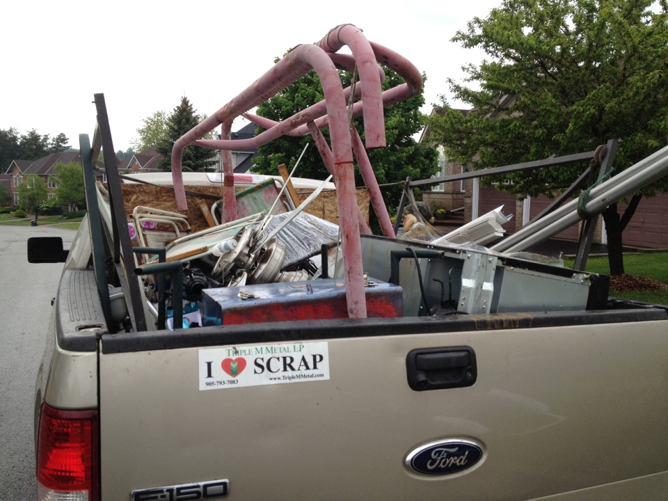 This truckful of scrap metal belongs to scrappers John Sapay and Phyllis Vere. (David Imrie / CTV Kitchener)