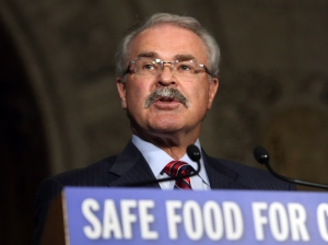 Agriculture Minister Gerry Ritz holds a news conference regarding food safety on Parliament Hill, in Ottawa, Wednesday, June 5, 2013. (Fred Chartrand / THE CANADIAN PRESS)