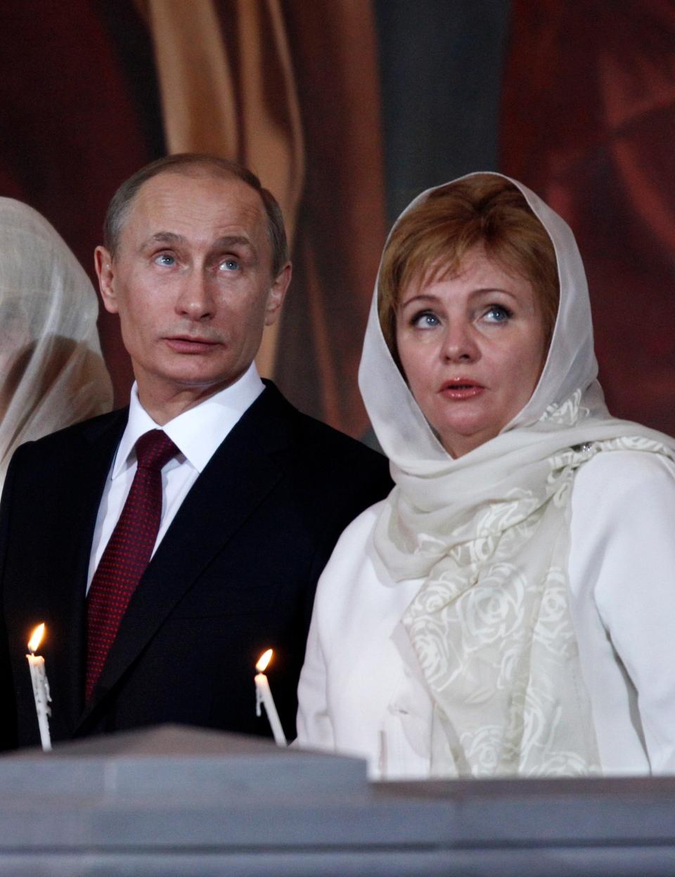 Putins calmly announce their divorce on state TV | CTV News