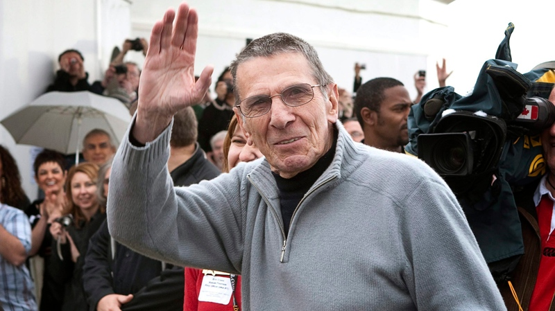 Leonard Nimoy, who played Spock in Star Trek series, waves to his fans after arriving at a ceremony naming Vulcan, Alta., the 'Official Star Trek Capital of Canada,' on, Friday, April 23, 2010. (Jeff McIntosh / THE CANADIAN PRESS)