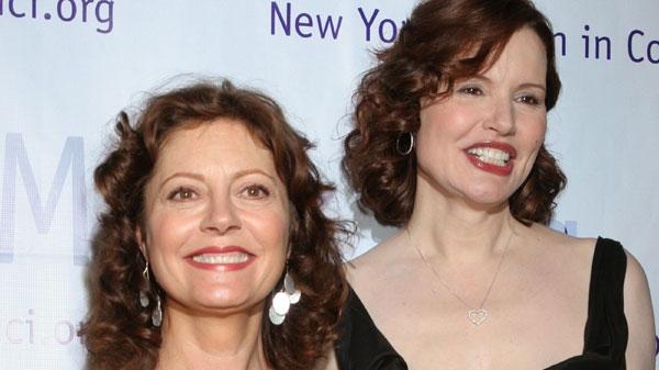 Actresses Susan Sarandon, left, and Geena Davis pose for photographers on April 3, 2006 in New York.(AP Photo/Tina Fineberg)