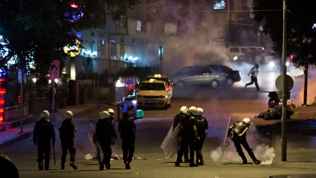 Turkey's PM to meet with Istanbul protesters