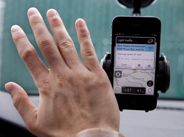 Waze, traffic, navigation, application, iPhone