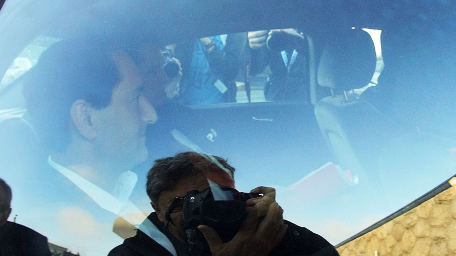 Montreal Mayor Michael Applebaum is taken away by police after being arrested at his home in Montreal on Monday, June 17, 2013. (Mario Beauregard /  THE CANADIAN PRESS)