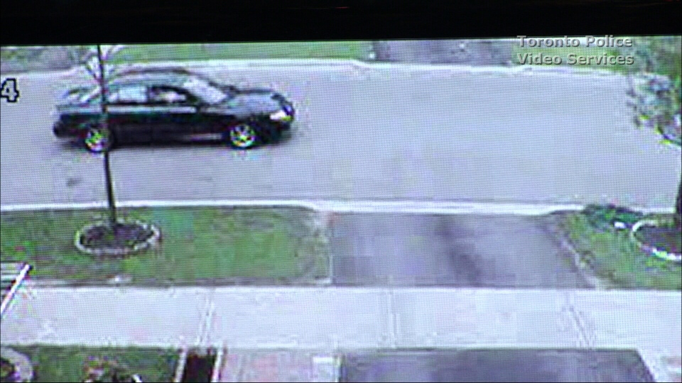 Police have released video of a vehicle believed to belong to a suspect in the murder of 38-year-old Surendra Vaithilingam. (Toronto Police Service)