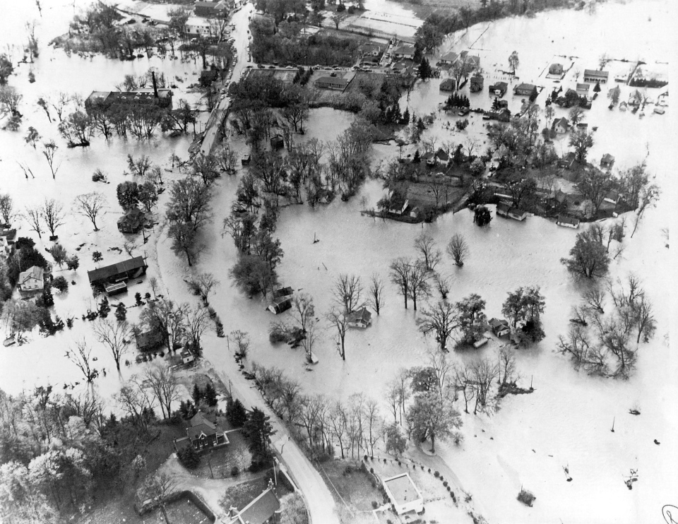 An Oct. 14, 1954 aerial view of hurricane Hazel flood waters. ( CP PHOTO)