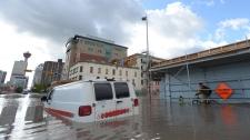 Canadians help flooded Alberta communities