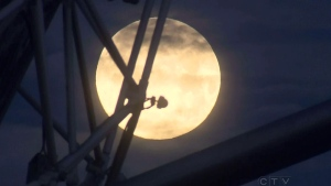 CTV BC: 'Supermoon' lights up Vancouver's skies