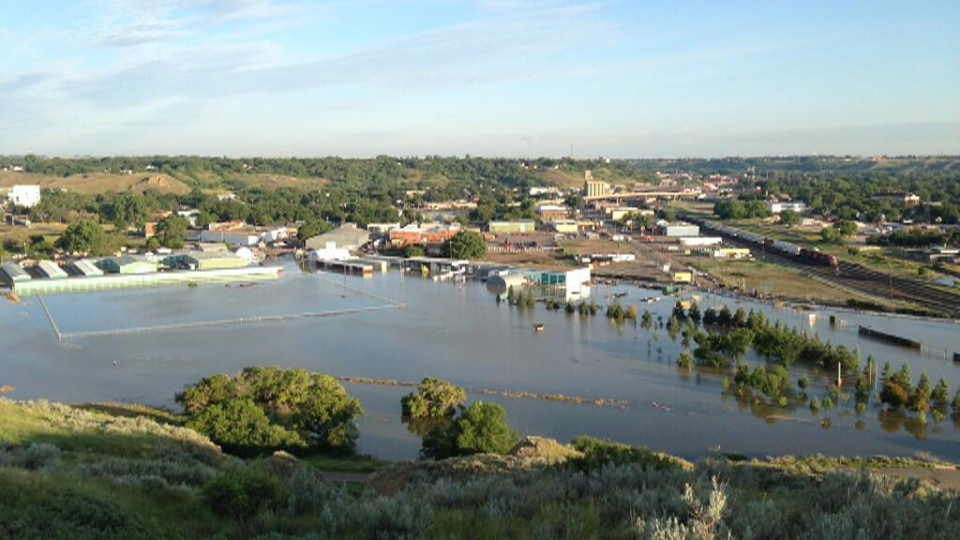 Some businesses in Medicine Hat, Alta. have been impacted by flooding. (Jill Macyshon / CTV News)