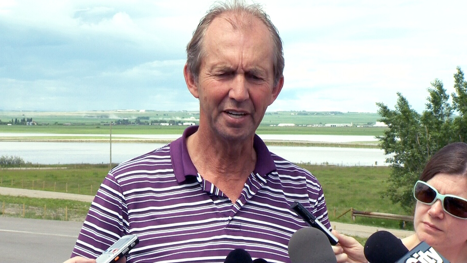 High River Mayor Emile Blokland updates media on the emergency situation in High River, Alta. on Tuesday, June 25, 2013.
