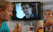 NSA leaker Snowden withdraws asylum request to Russia