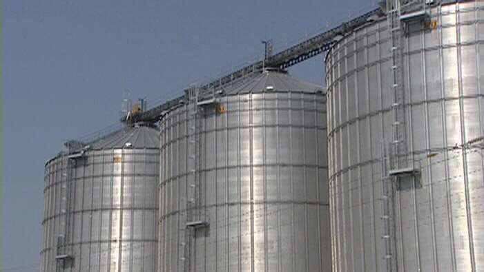 Grain silos at Port of Prescott