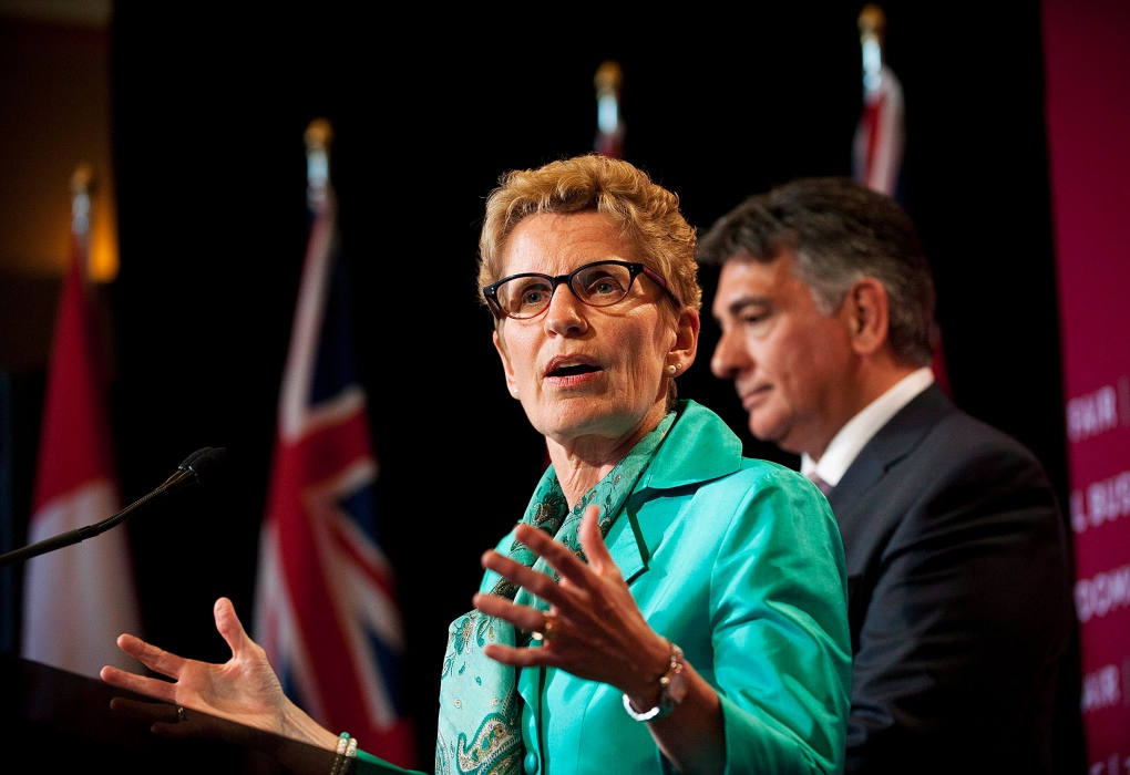 Wynne, Liberals drop in popularity, poll suggests