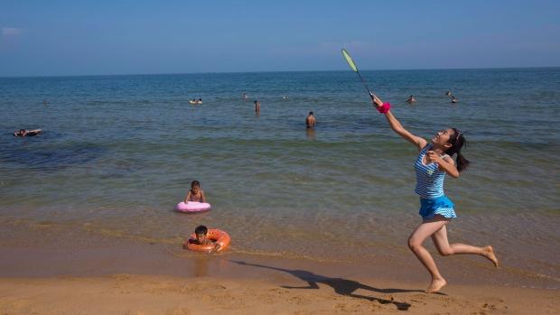 North Korea to build beach resort