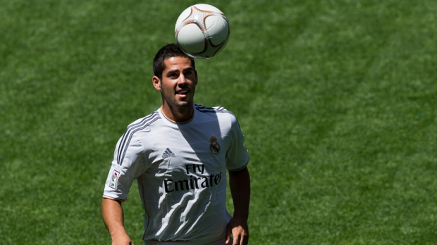 Real Madrid presents Alarcon to fans