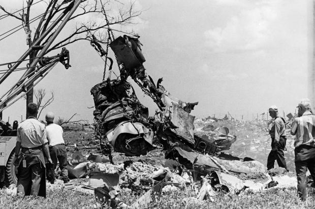 DC-8 crash