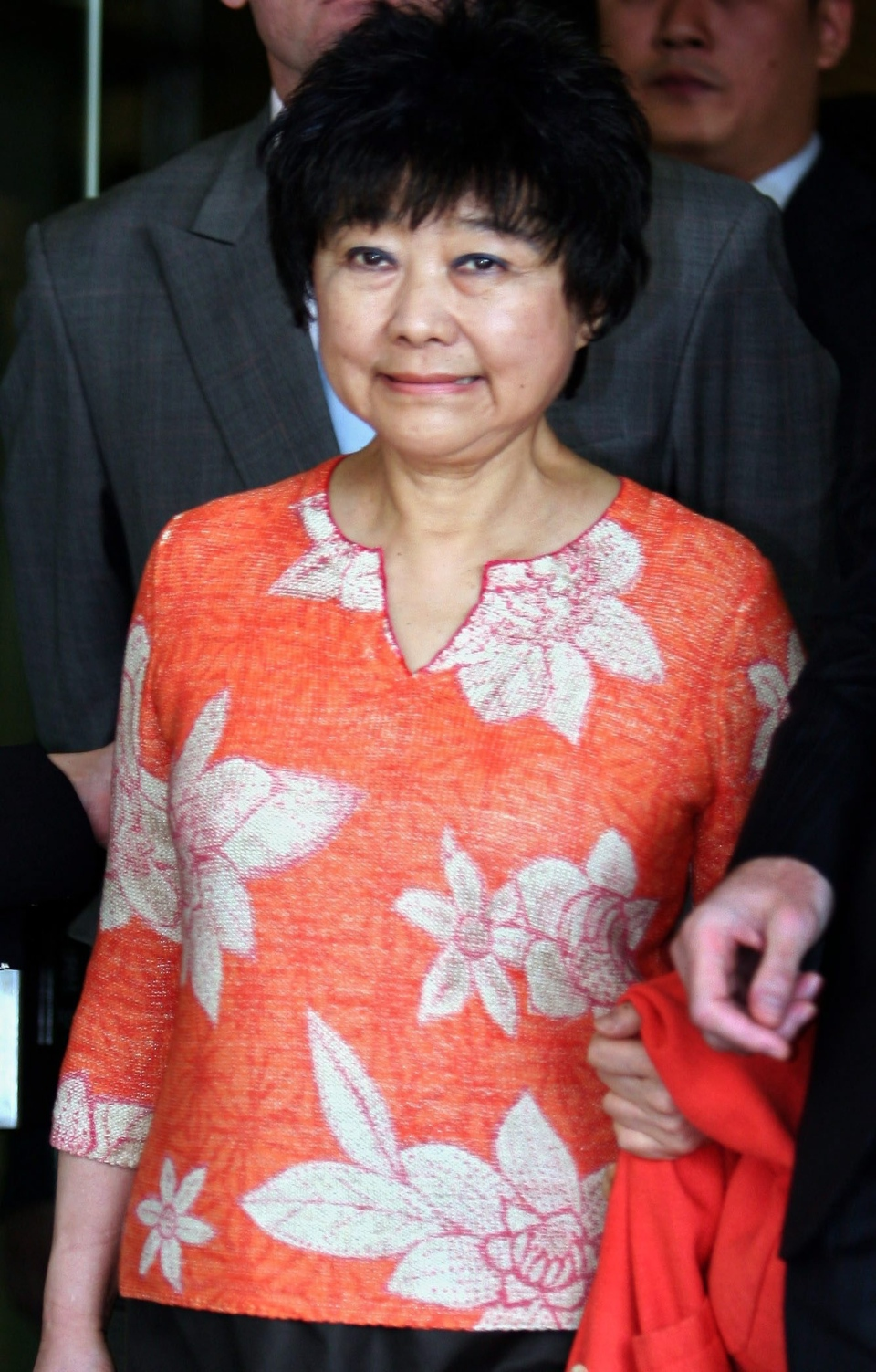Guilty Of Forging Will Dead Hong Kong Billionaire S Lover