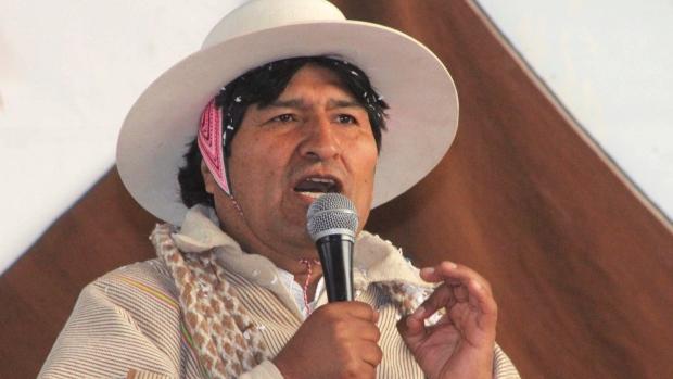 Bolivia's President offers Snowden assylum