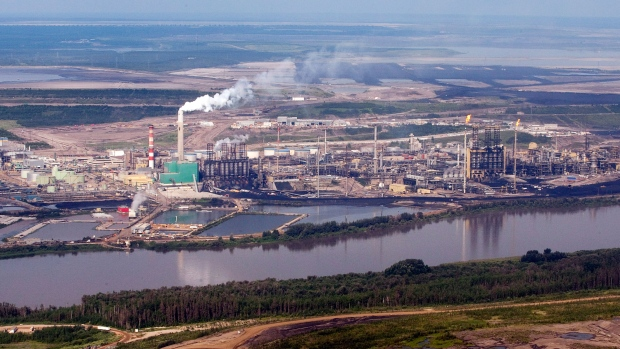 Fort Mcmurray Oil Sands Helicopter Tour