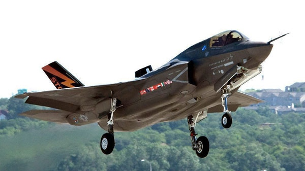 A Lockheed Martin F-35 Joint Strike Fighter is shown in this undated handout photo. A U.S. defence analyst says Canada's new fleet of stealth jet fighters will cost almost double what the Conservative government is projecting. (Lockheed Martin / THE CANADIAN PRESS)