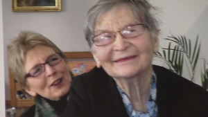 Kay Carter is shown with her daughter Lee in this family photo. (CTV)