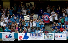 Expos fans pack bleachers at Toronto game