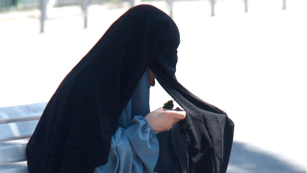 Austria to ban full-face veils in public places