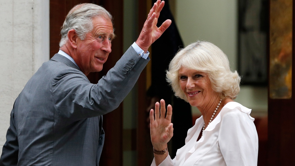 Prince Charles and his wife Camila, Duchess of Cornwall, arrive at St. Mary's Hospital exclusive Lindo Wing in London, Tuesday, July 23, 201. (AP / Lefteris Pitarakis)