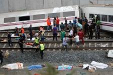 Train derails in northeastern Spain