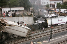 Train derails in northeastern Spain