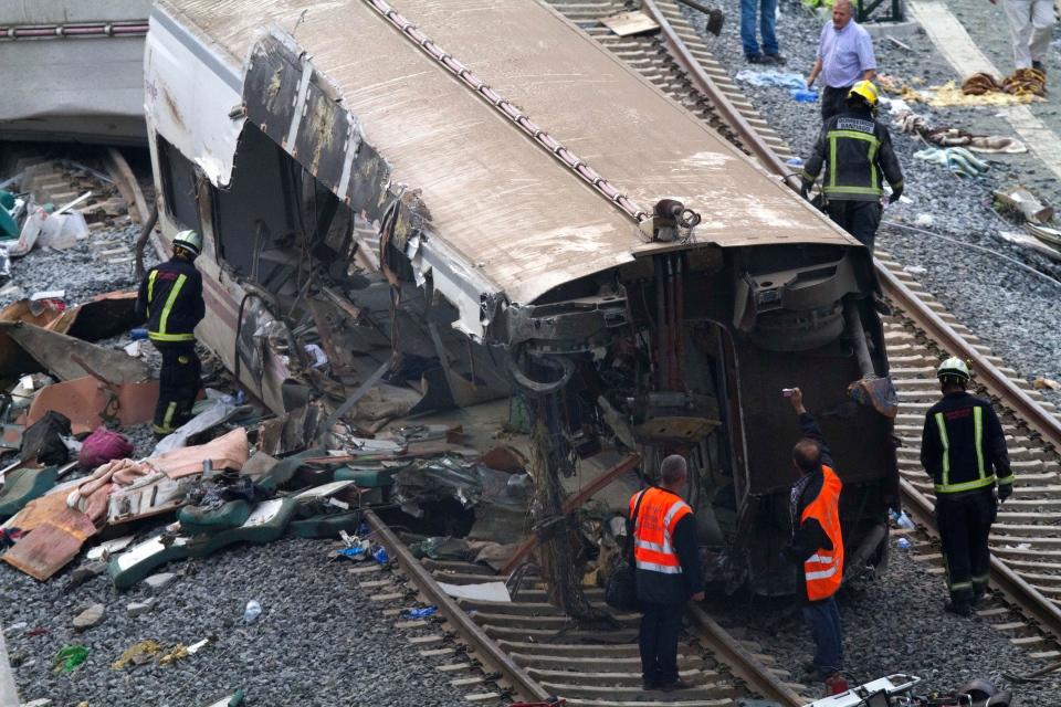 Spain train crash: Video shows moment of derailment that