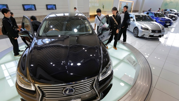 Toyota stays top selling automaker