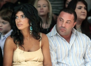 Judge nixes 'Real Housewives' star's bid to serve prison term in halfway house