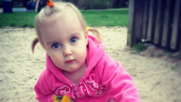 Parents of Eva Ravikovich suing province