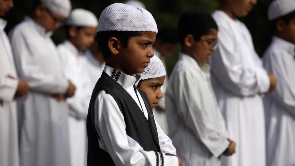 Amazing Child Eid Al-Fitr Feast - image  Best Photo Reference_653317 .jpg