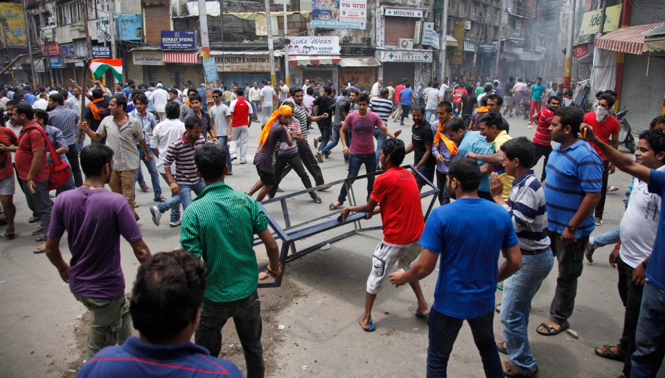 an overview of the worst hindu muslim clash in india in 2002