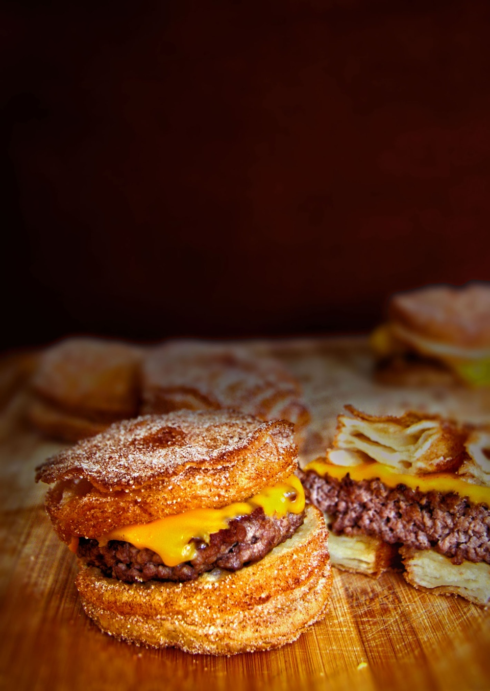 Visitors to the CNE will be able to try the cronut burger. (CNW Group / Le Dolci)