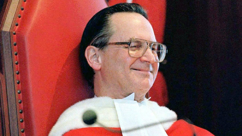 Supreme Court Justice Ian Binnie smiles at a comment made during speeches following his swearing-in ceremony at the Supreme Court in Ottawa, Monday, Feb. 2, 1998. (Tom Hanson / THE CANADIAN PRESS)