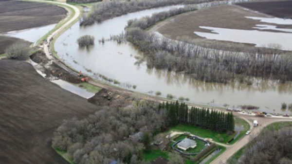 An aerial photo shows the Assiniboine River and the Hoop and Holler Bend (John Woods THE CANADIAN PRESS/)