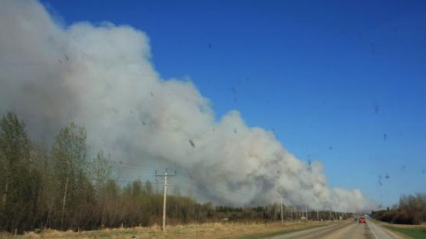 MyNews contributor Lisa Lukan captured this image of smoke from the wildfires near Slave Lake, Alberta, Saturday, May 14, 2011.