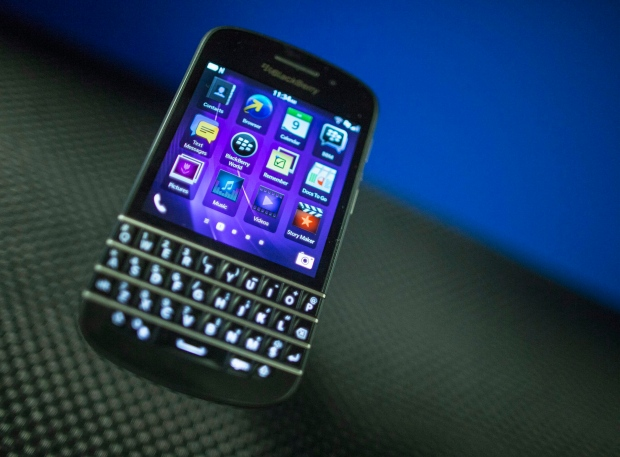 BlackBerry Q10 larger order Univision