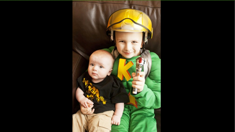Six-year-old Keian Blundell, right, and his baby brother Joren. Keian has been battling an aggressive form of leukemia since July 2012 and has relapsed twice. (Oh Love Photography)
