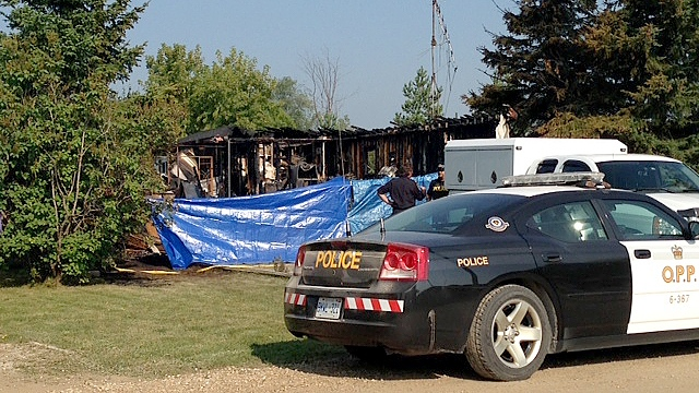 One man died in a fire at a mobile home near Shelburne, Ont. early this morning, Aug. 21, 2013. (Katherine Ward / CTV Barrie)