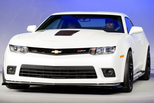 Chevrolet To Present Its Restyled Camaro In Europe