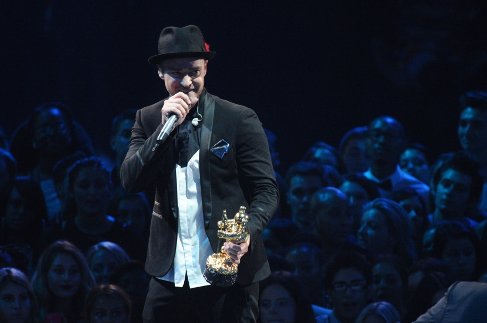 Justin Timberlake accepts the video vanguard award at the MTV Video Music Awards on Sunday, Aug. 25, 2013, at the Barclays Center in the Brooklyn borough of New York. (Charles Sykes / Invision)