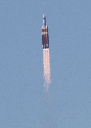 A Delta 4-Heavy rocket, carrying a spy satellite for the U.S. government, is launched from Vandenberg Air Force Base Wednesday, Aug. 28, 2013. (AP / The Santa Maria Times, Daniel Dreifuss)
