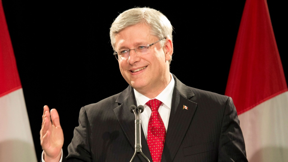 Prime Minister Stephen Harper answers questions about marijuana smoking at an event in Toronto on Thursday, Aug. 29, 2013. (Frank Gunn / THE CANADIAN PRESS)