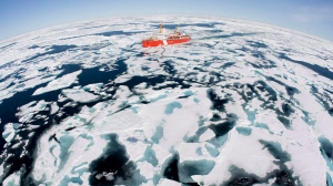 The Canadian Coast Guard icebreaker Louis S. St-Laurent makes its way through the ice in Baffin Bay, on July 10, 2008. (Jonathan Hayward / THE CANADIAN PRESS)