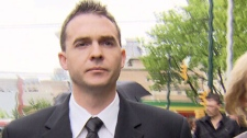 Former Vancouver police constable Peter Hodson leaves a sentencing hearing at provincial court. June 2, 2011. (CTV)