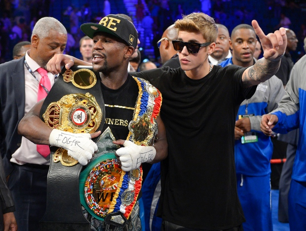 Floyd Mayweather Jr., with Justin Bieber